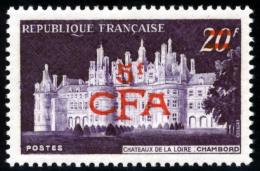REUNION - 1954 - Mi 376 - SURCHARGE 5 CFA ON 20 F - CASTLE CHAMBORD - MNH ** - Reunion Island (1852-1975)