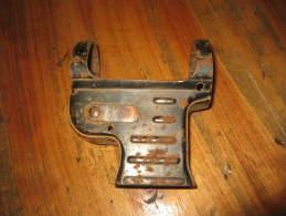 Porte-Chargeur De MP40, Pièce Authentique, Pièce De Terrain, Longueur : 8,5 Cm Hauteur : 9,5cm - 1939-45