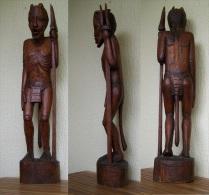 Ancien Grand Guerrier Africain Sculpture En Bois, Hauteur 94 Cm  Poids  9 Kg - Art Africain