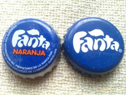 Lote 2 Chapas Kronkorken Caps Tappi Fanta. España - Chapas Y Tapas