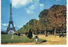 CPM 75*LA TOUR EIFFEL Avec Petite Animation - Eiffelturm