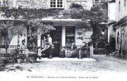Pérouges - Maison Du Cadran Solaire - Vente De Cartes Postales - Place De La Halle  - Très Beau Plan Animé - Pérouges