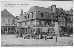 PONTIVY Place Marché - Pontivy