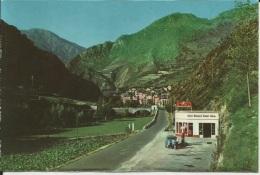 ANDORRE . SANT JULIA DE LORIA . VUE D ENSEMBLE EN ARIVANT D ESPAGNE . STATION SERVICE ESSO - Andorra