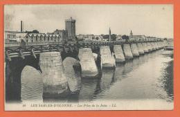 HC710, Les Sables D'Olonne, Les Piles De La Jetée, 48, Non Circulée - Sables D'Olonne