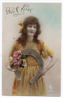 Cpa - Vive Saint Eloi - Pose D'une Femme Avec Un Bouquet De Fleurs Et Un Fer à Cheval - Feiern & Feste
