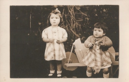 CARTE - PHOTO -  Année 1930-1935 - Children And Family Groups