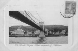 La Roche Guyon - Pont Suspendu Et Château  - Belle Cpa - La Roche Guyon