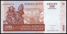 MADAGASCAR. 500 Ariary - 2004. Pick 88b. UNC - Madagascar