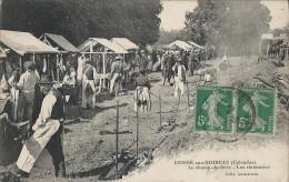 CONDE SUR NOIREAU (14 - Calvados) - Le Champ De Foire - Les Rôtisseries (Très Animée, Personnes, Stands ...) - Altri Comuni
