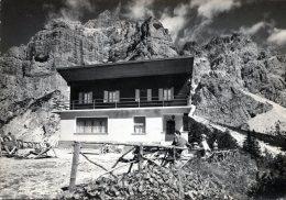 Rifugio Carestiato (Dolomiti Agordine). Monte Moiazza - Italia
