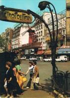 """PARIS - Le MOULIN ROUGE - Entrée Du """"Metropolitain"""", Animation Avevc Personnages Et Véhicules - Non Circulée - Métro Parisien, Gares"""