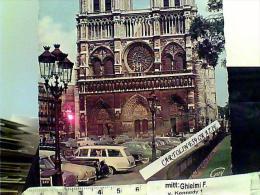 FRANCE PARIS  NOTRE DAME  AUTO CAR V1968 EI3855 - Notre Dame De Paris