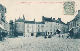 MALESHERBES - La Place Du Martroi - Malesherbes