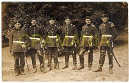 B326 - WWI -  Soldats Allemands Avec Sabres. - Militaria