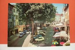 BRIGNOLES - La  Place Du Carami - Brignoles