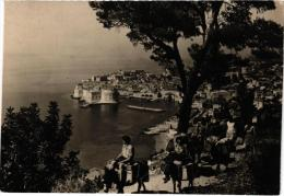 DUBROVNIK ,VUE PARTIELLE,BALADE A DOS D'ANE  REF 35957 - Croatie