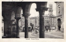 [DC6931] VERCELLI - PIAZZA CAVOUR - Viaggiata 1927 - Old Postcard - Vercelli
