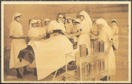 Cpm Reproduction De La Carte Ancienne - Table D'opération - Salute