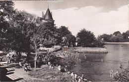 22129 Pornic, Plage Du Chateau, à L'heure Du Bain . Chapeau Rosy 29