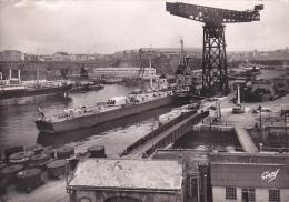 22139- 29 France BREST - Le Croiseur La Gloire Dans L Arsenal -2 Gaby Militaria Bateau Guerre - Guerre
