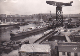22139- 29 France BREST - Le Croiseur La Gloire Dans L Arsenal -2 Gaby Militaria Bateau Guerre