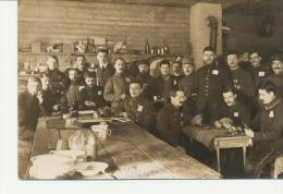 Chambrée De Soldats Français En Allemagne Au  Camp De Prisonniers D´Ohrdruf  En 1914.1918: (gros Plan) - Guerre 1914-18