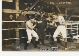 Boxe;A;l'e'ntrainement De Soldats En Allemagne Au Camp De Prisonniers D´Ohrdruf  En 1914.1918: (gros Plan) - Guerre 1914-18