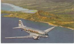 Hawaiian Airlines,  Douglas Transport Passenger Air Plane Over Hawaii C1940s Vintage Postcard - 1946-....: Moderne