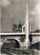 PARIS ET SES MERVAILLES - Le Pont De La TOURNELLE, Statue De SAINTE-GENEVIEVE De LANDOWSKY Et Notre-Dame - 2 Scans - La Seine Et Ses Bords