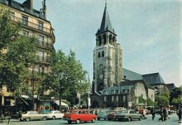 PARIS - La Place Saint-Germain-des-Prés Et Son Eglise - Animation, Passants Et Véhicules : VW Cox, Opel Break, 2CV, Mini - Places, Squares