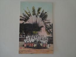 CPA CONGO FRANÇAIS BRAZZAVILLE ARBRE DU VOYAGEUR MISSIONNAIRES ÉLÈVES CATÉCHISTES 1921 - Brazzaville