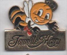 Abeille , Famille Mary , Miel , Ruche , Saint André De La Marche , Maine Et Loire - Animali