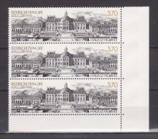 FRANCE / 1989 / Y&T N° 2587 ** (3 TP En Bande) : Vaux-le-Vicomte - Gomme D´origine Intacte - Neufs