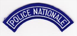 "Ecusson Police Nationale "" Demi Lune "" --- Obsolète --- Pour Collection - Police & Gendarmerie"