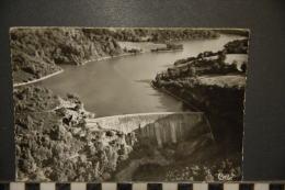 23-  AUBUSSON - VUE AERIENNE  BARRAGE DES COMBES  -1957 - Aubusson