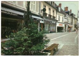 CPM 18 SAINT AMAND MONTROND Rue Piétonne NEUVE - Saint-Amand-Montrond