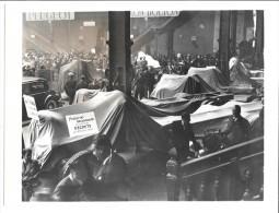 SALON DE L'AUTOMOBILE - Protestation Des Constructeurs De Poids Lourds Contre Le Décret Du 12 Octobre 1938 - Camions & Poids Lourds