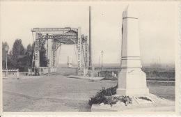 Nieuwpoort    Sluizen Het Frans En Engelse Monument             Scan 5806 - Nieuwpoort