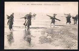 BERCK - PLAGE . Pêcheuses De Crevettes . - Berck