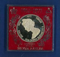 MEDAGLIA - 1952 - 1977 - SILVER JUBILEE - ANNO 1977 - H.M. QUEEN ELISABETH II - PROOF EDITION - Monarchia/ Nobiltà