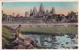 BONZE EN MEDITATION DEVANT ANGKOR-VAT(dil117) - Cambodge