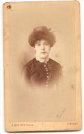 0194 - CDV  Représentant Une Femme Au Chapeau En Buste - Photo A. Bastier à Limoges - Anonymous Persons