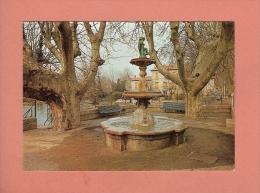 * CPM..( Dépt 84 )..LE THOR  : Le Square Et La Fontaine  Douzarmont  :  Voir Les 2 Scans - France
