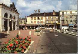 - FRANCE (78) - CPM Ayant Voyagé SARTROUVILLE 1990 - Place De La Gare - Editions LYNA-PARIS - - Sartrouville