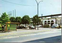 - FRANCE (78) - CPM Ayant Voyagé SARTROUVILLE 1986 - Place De La Gare - Editions LYNA-PARIS 12764 - - Sartrouville