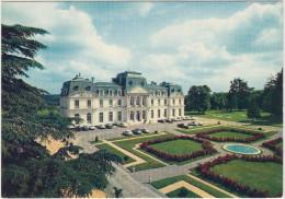 Montbazon: PEUGEOT 404, CITROËN DA, PANHARD PL17 - Hotel D'Artigny, Au Coeur Des Chateaux De La Loire  - France - PKW