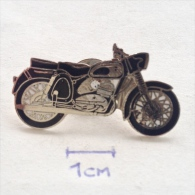 Badge / Pin (Motorcycling) - - Motorbikes