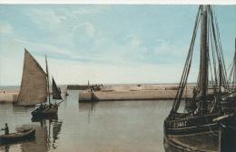 GRANDCAMP LES BAINS - Le Port , Le Chenal - GRAND CAMP LES BAINS - Autres Communes