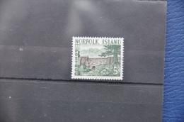 G 069 + NORFOLK ISLANDS 1961 BLOODY BRIDGE CANCELLED WITH ORIGINAL GUM - Norfolk Eiland